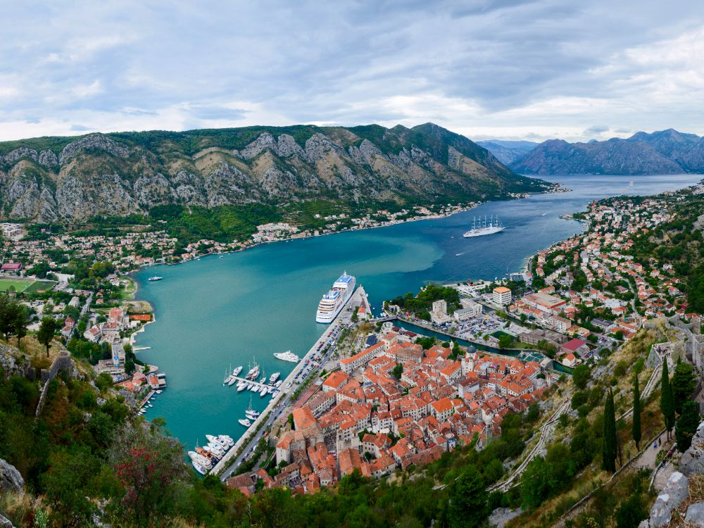 montenegro-submarine-private-full-kotor-bay-tour-and-swimming-time